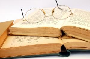 L'auto-édition, c'est la mort des éditeurs dans Auto-édition, micro-éditeur, compte d'auteur livre-lunette-big-300x199